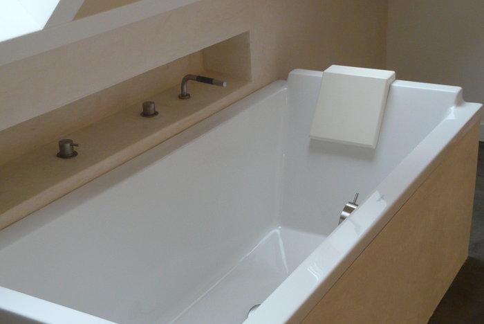 Tadelakt-badkamer-bad