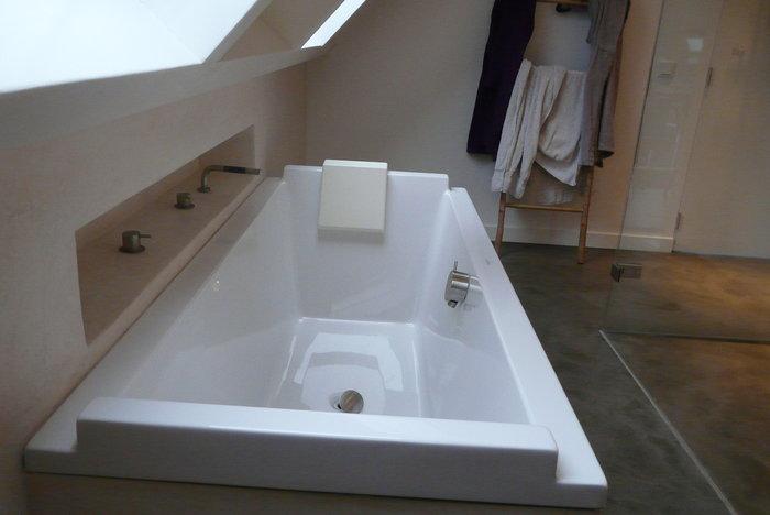 tadelakt badkamer bad