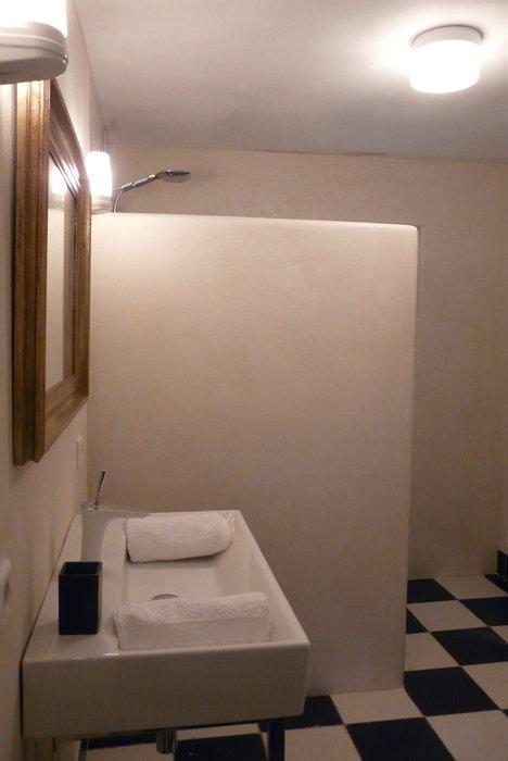 tadelakt-badkamer-wit-1